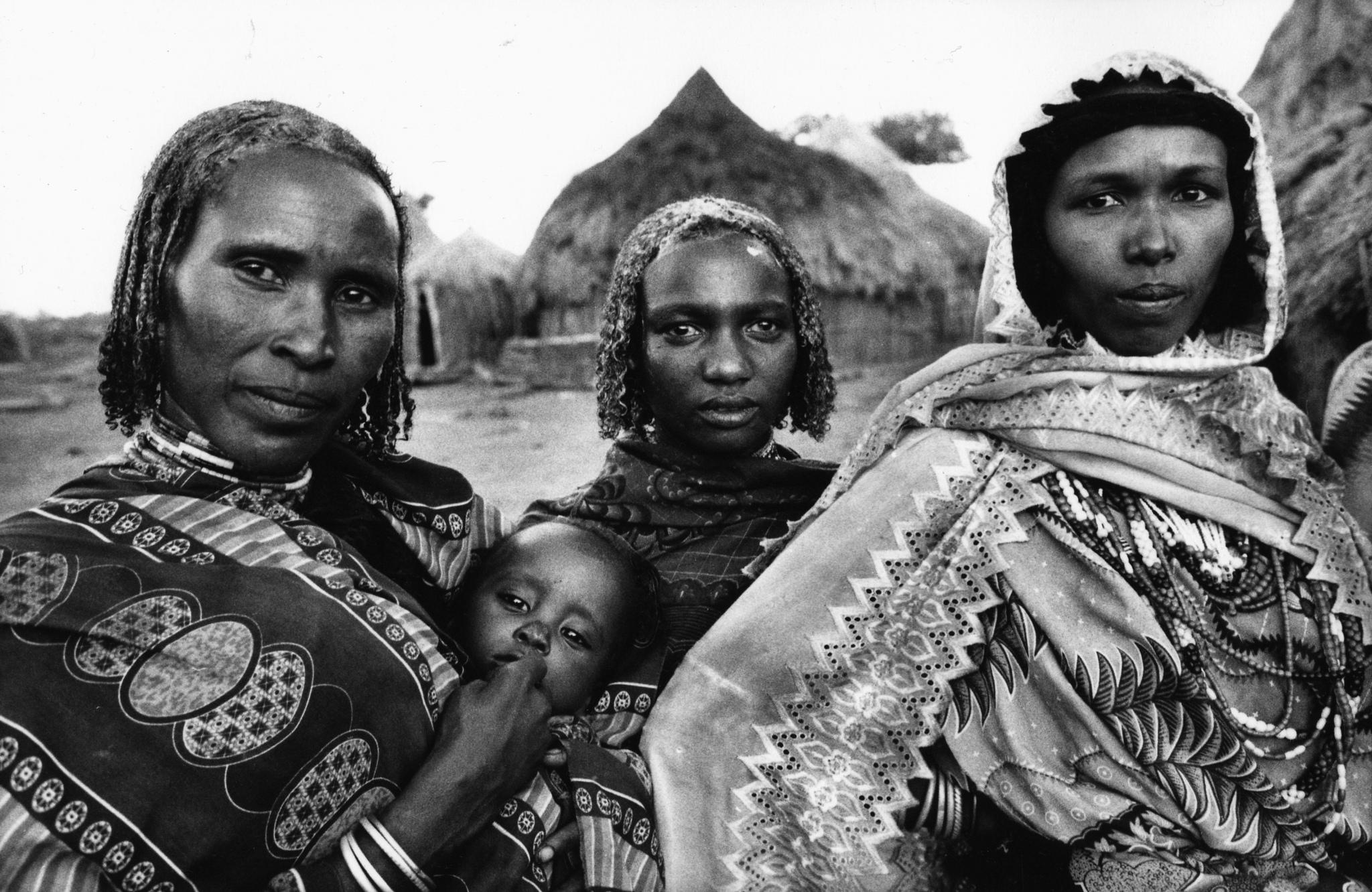 In un villaggio borana nei pressi di Darrito, durante la festa per la cerimonia del conferimento del nome al figlio di un ricco proprietario di bestiame locale, Etiopia meridionale, 2007
