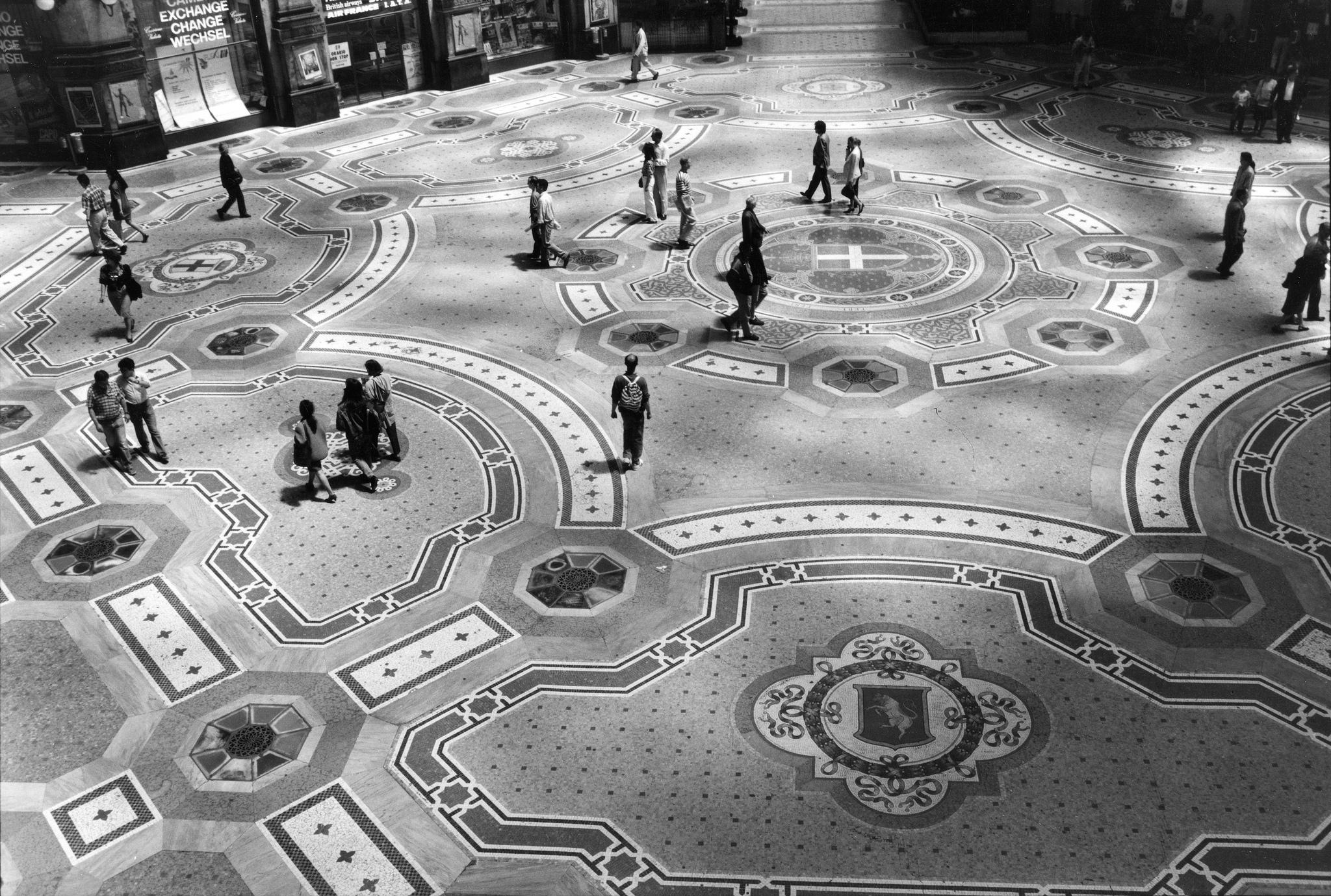 Galleria Vittorio Emanuele, Milano, 1991 Vittorio Emanuele Arcade, Milan, 1991